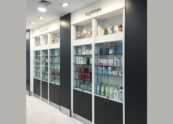 proyecto-farmacia-kapmobel-consuelo-molina-interior-5