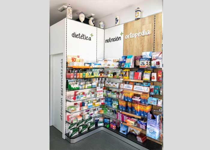 proyecto-farmacia-kapmobel-fontan-interior-2