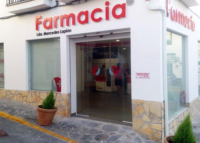 proyecto-farmacia-kapmobel-mercedes-lupion-fachada