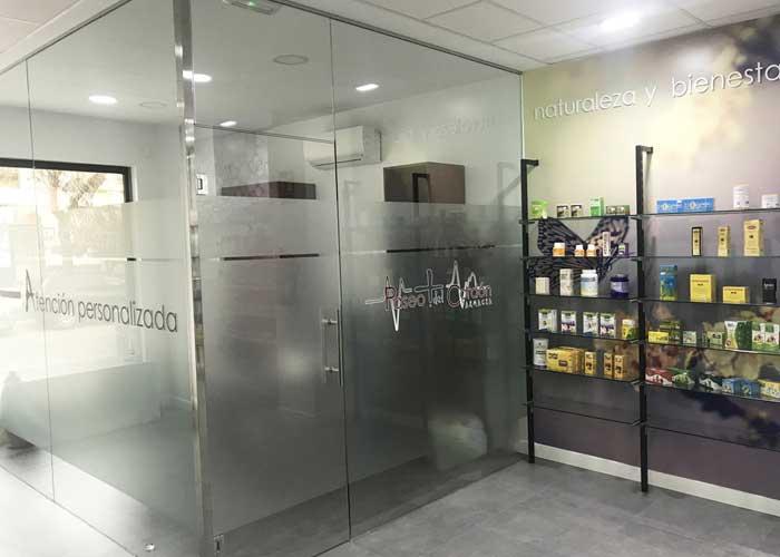 proyecto-farmacia-kapmobel-paseocordon-interior-3