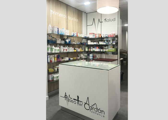 proyecto-farmacia-kapmobel-paseocordon-interior-4